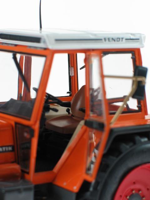 Fendt Favorit 612 LSA servicio publico (1989 - 1993), Weise Toys 1103