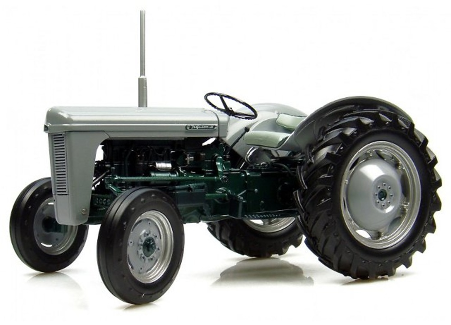 Ferguson T.O 35 Launch Model (1954), Universal Hobbies 1/16