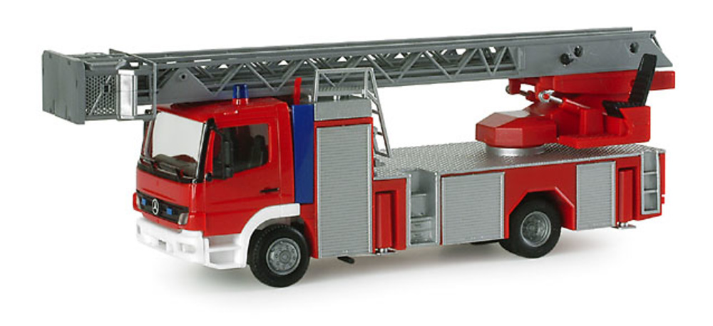MB Atego con autoesala L32 Herpa 1/87
