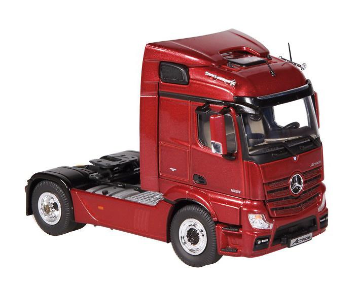 Mercedes Benz Actros FH23 Streamspace 4x2 rojo, NZG 1/50 846/02