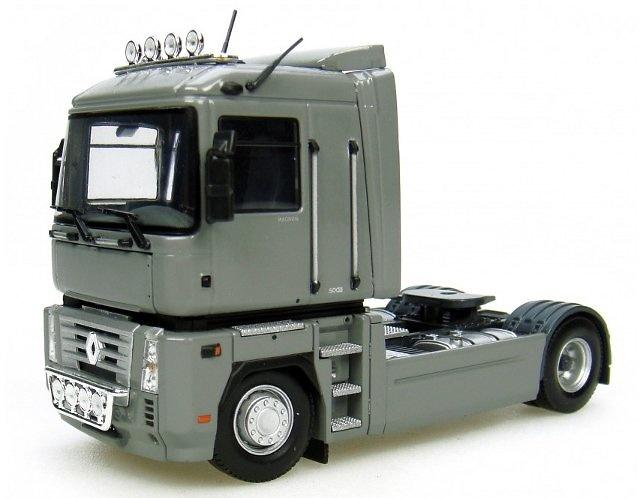 Renault Magnum 4x2 - Grey light colour Universal Hobbies 5690 escala 1/50