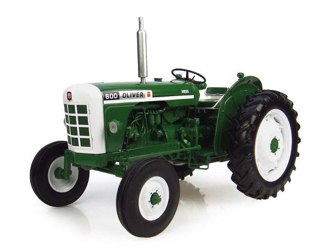 Tractor Oliver 600 (1963) Universal Hobbies 4008 escala 1/16