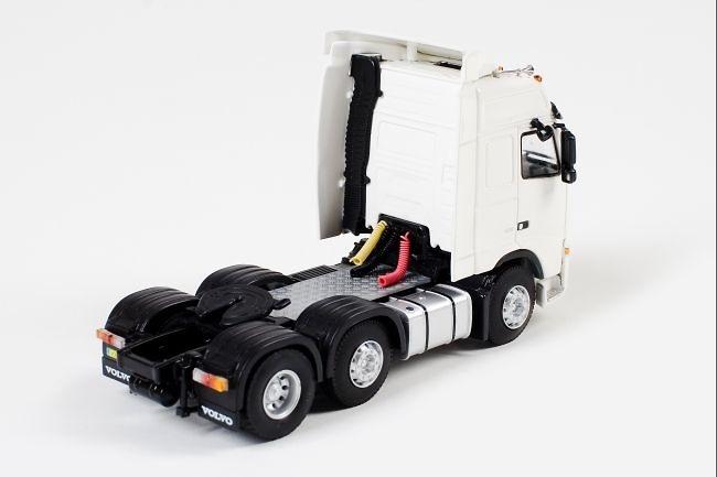 Volvo FH2 Globetrotter 6x2 Wsi Models 03-1079 escala 1/50
