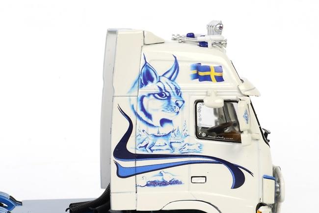 Volvo FH2 Globetrotter semiremolque de caja (3 ejes), Wsi Models 1/50 9915