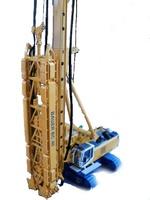 Bauer Perforadora BG40 con fresadora BC40 1/50 BYMO
