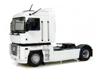 Renault Magnum 4x2 - blanco Universal Hobbies 5691 escala 1/50