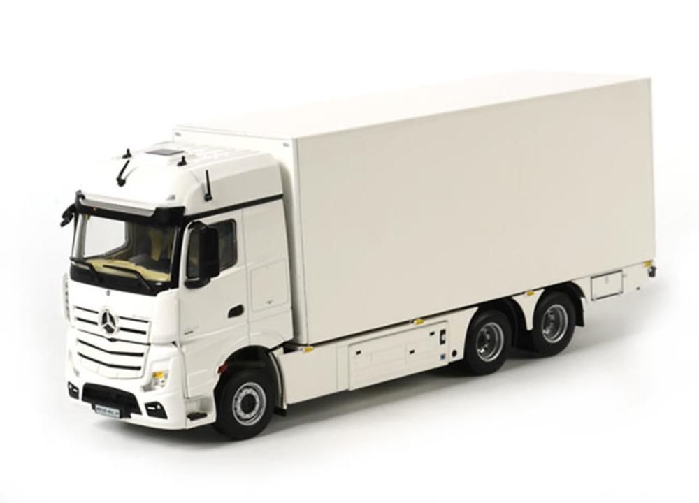 miniatura a escala de camiones