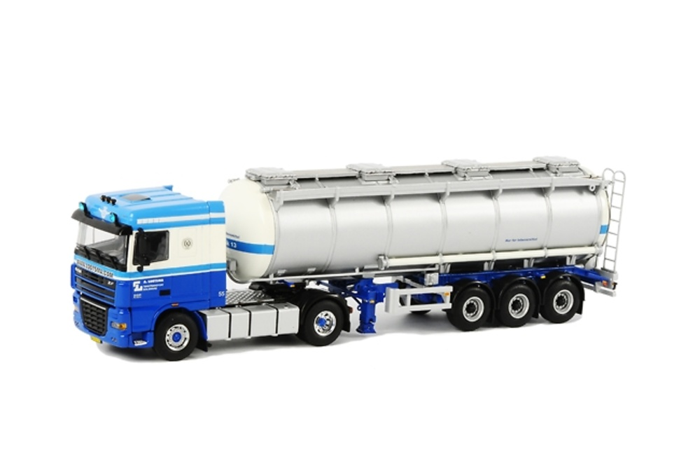 DAF XF 105 Space Cab 4x2 cisterna 3 ejes, Wsi Collectibles 1/50 9483