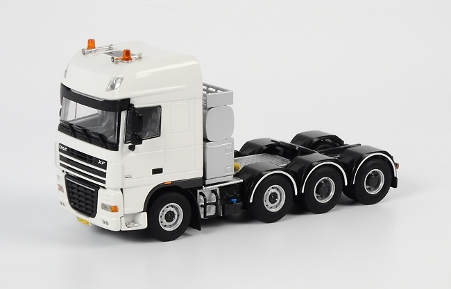 Daf xf 105 Super Space Cab 8x4, Wsi Models 03-1029 escala 1/50