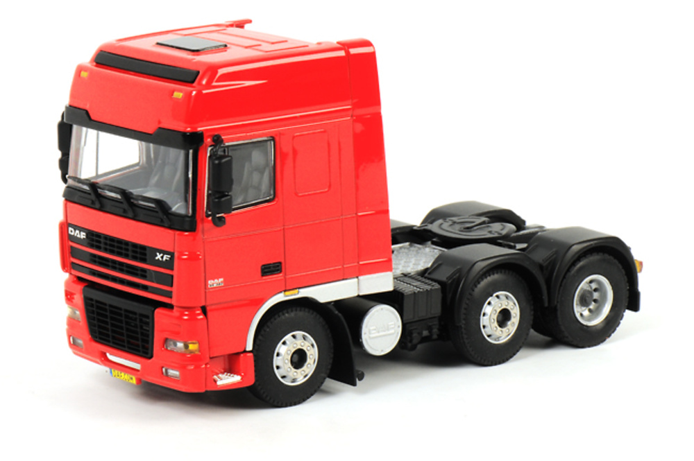 DAF XF 95 Super Space Cab 6x2, Wsi Collectibles 1/50 04-1063
