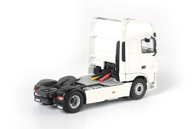 Cabeza tractora DAF new XF SSC Euro 6 Wsi Models 03-1128 escala 1/50