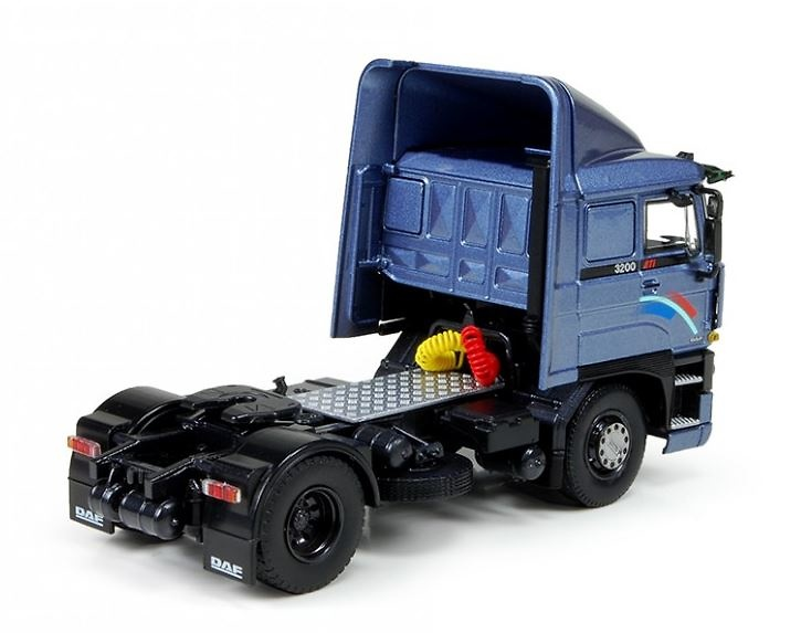 Daf 3200 Space Cab 4x2 Tekno 71638 escala 1/50