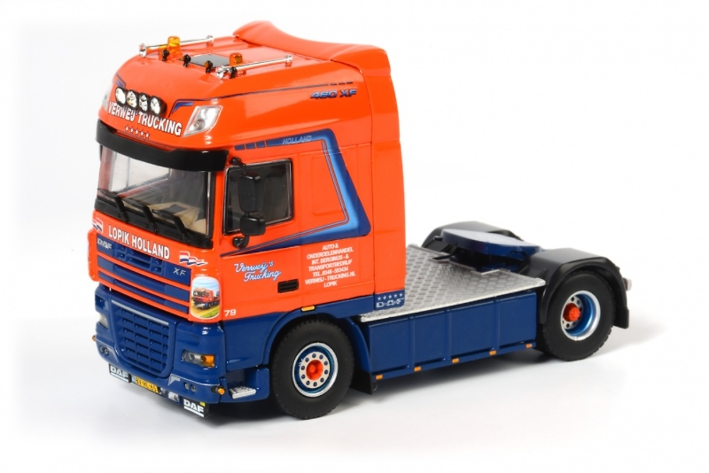 DAF XF 105 Super Space Cab Verweij's Trucking Wsi Models 01-1256 escala 1/50
