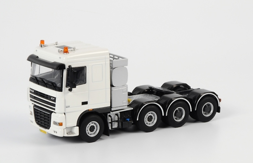 DAF XF 95 8x4 Blanco DAF018 9044, WSI Collectibles 1/50