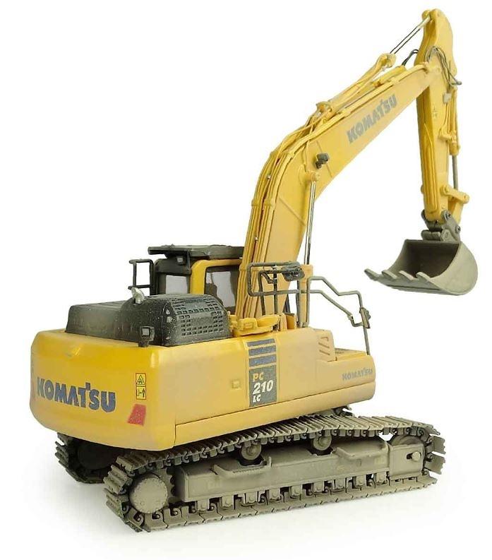 Excavadora Komatsu PC210 LC-10 Universal Hobbies 8144 escala 1/50