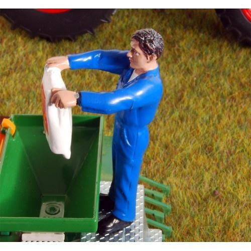 Figura Agricultor vaciando saco Agri Collectables ADF 32104 escala 1/32