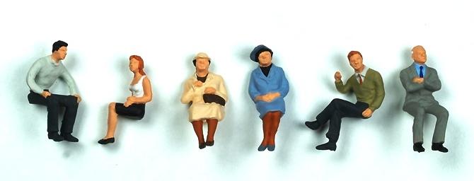 Figuras gente sentada 6 u. Preiser 1/50