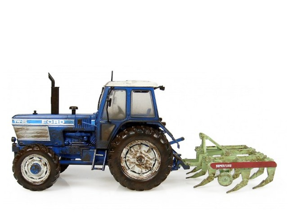 Ford TW-25 with Bomford Superflow Plough, Universal Hobbies 1/32 7118