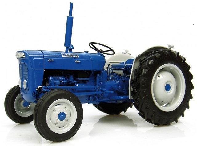 Fordson Super Dexta - Diesel 2000 - US Version, Universal Hobbies 1/16 2902