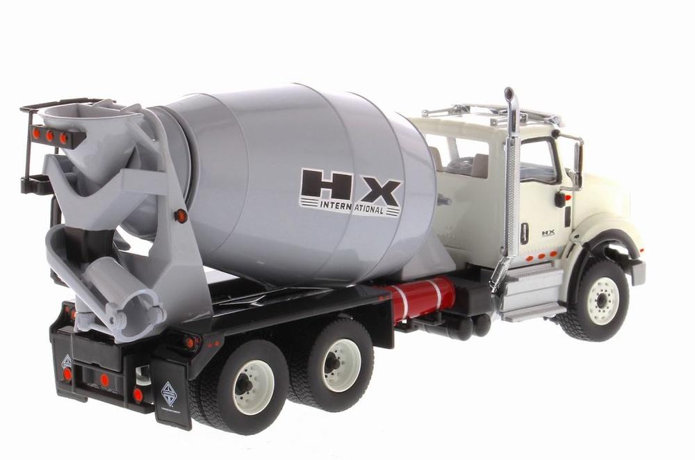 Hormigonera International HX615 Diecast Masters 71014 escala 1/50