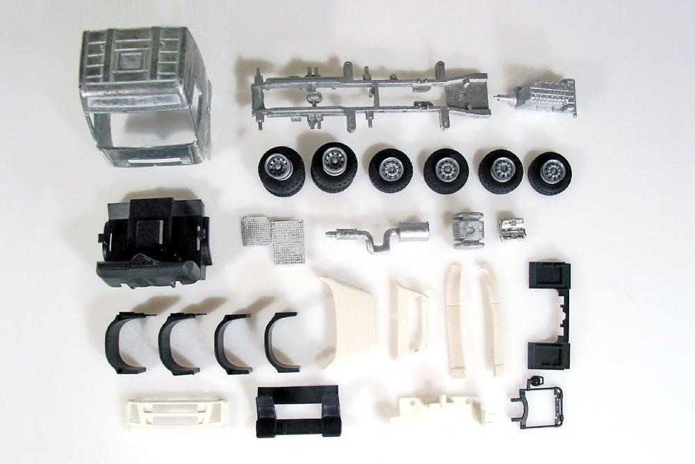 Kit Volvo Globetrotter 6x2 Tekno 55361 escala 1/50