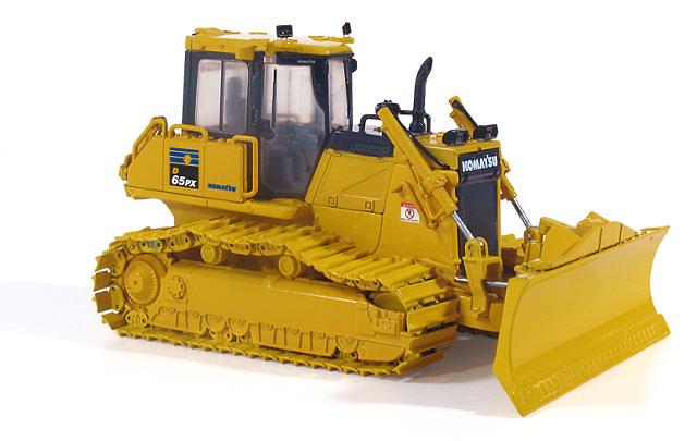 Komatsu D65PX-17 Bulldozer First Gear 3246 escala 1/50