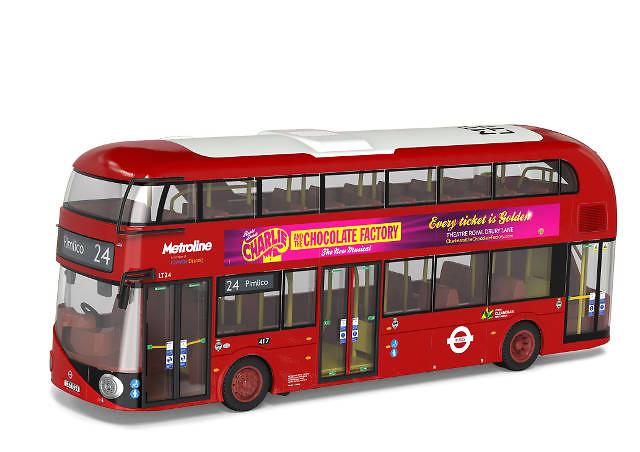 Bus London, Metro Line, 24 Pimlico, 'Charlie and the Chocolate Factory' -Corgi OM46609b escala 1/76