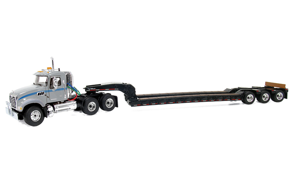 Mack Granite MP with Tri-Axle Lowboy Trailer, First Gear 3251 escala 1/50
