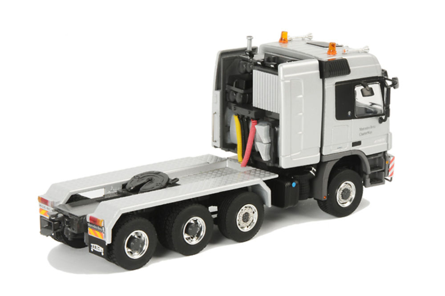 Mercedes Actros 8x6 titan, Wsi Models escala 1/50