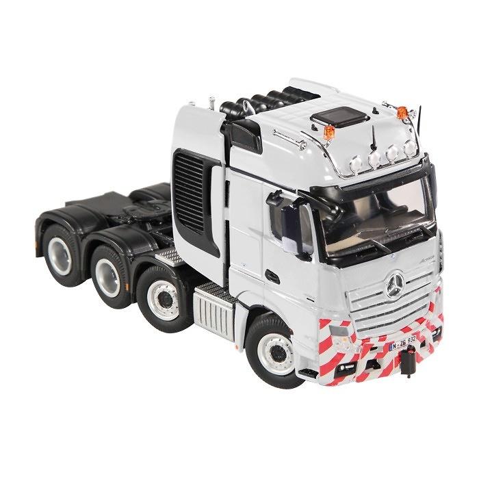 Mercedes-Gigaspace-SLT-Nzg-932