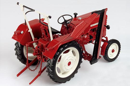 traktor mc cormick d 326 schuco 00165 ma stab 1 18. Black Bedroom Furniture Sets. Home Design Ideas