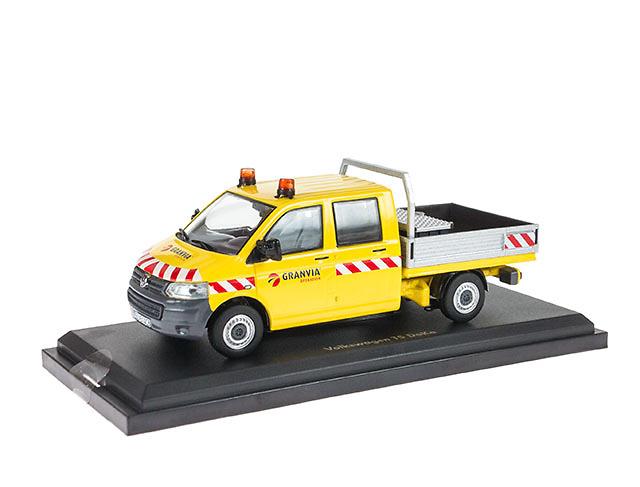 Volkswagen Transporter Granvia NZG 888/02 escala 1/50