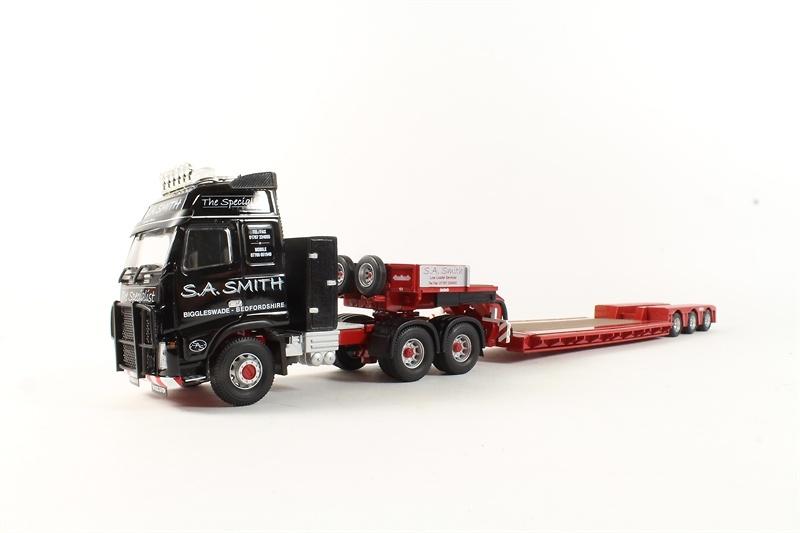 Volvo FH + Nooteboom cama baja - Smith - Corgi 14041 escala 1/50