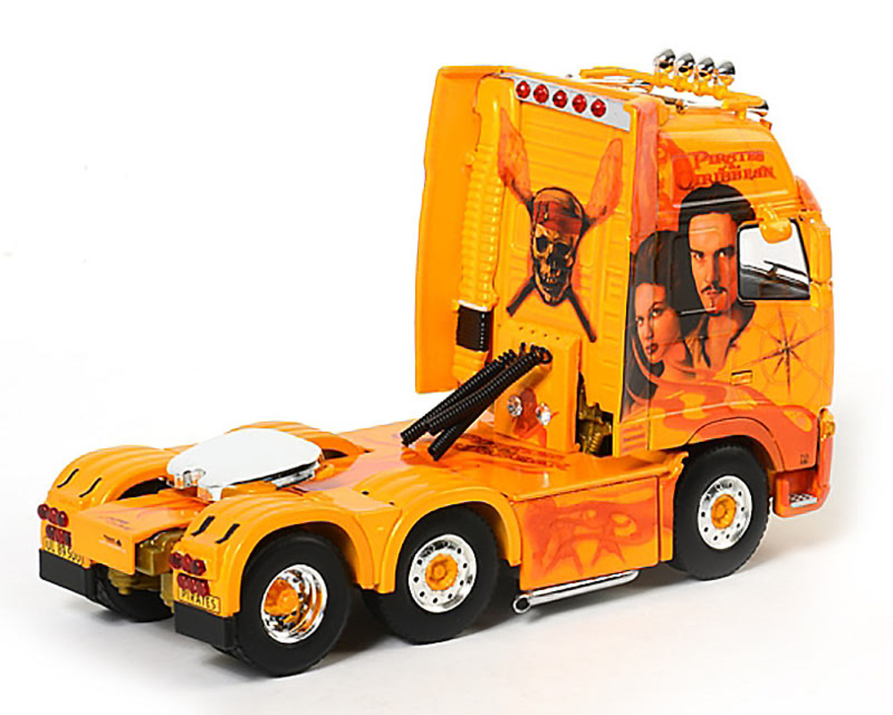 "Volvo FH2 Globetrotter XL Guldager ""Pirates"" Wsi Models 9764 escala 1/50"