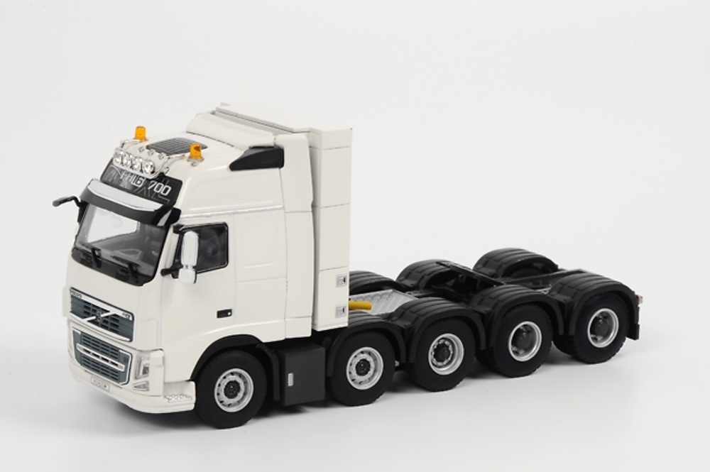 VOLVO FH3 Globetrotter XL 10x4 FH16 700 VOl018, WSI Collectibles 1/50 1095