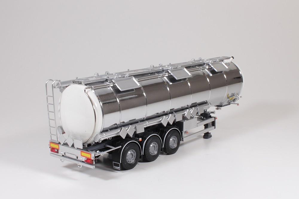 cisterna cromada 3 ejes Tekno 59525 escala 1/50
