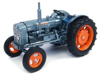"Fordson Super Major ""Launch Editon"" Universal Hobbies 4882 escala 1/32"