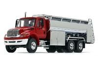 International DuraStar con cisterna First Gear 1/50