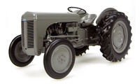 Massey Ferguson TEA 20 (1947) Universal Hobbies 2690