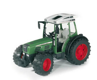 Tractor Fendt Farmer 209 Bruder 02100 escala 1/16