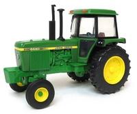 Tractor John Deere 4440 Ertl 45548 escala 1/32