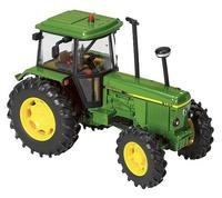 Traktor John Deere 3140 Britains 42996 escala 1/32