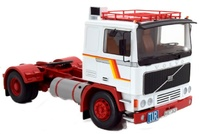 Volvo F12 1977 Road Kings escala 1/18