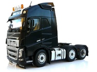 Volvo FH16 6x2 Negro Marge Models 1811-02 escala 1/32