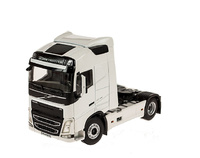 Volvo FH4 Globetrotter Wsi Models 03-1136 escala 1/50